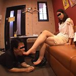 仕事後の足の汚れ舐め取り職人0 携帯ショップ店員の24.5cm足舐め 変幻餌罪 NK-0
