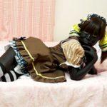 ライブ前にアイドルが 全身黒塗りして、田舎でアルバイト!! COCOA SOFT coli-001 小田エリナ