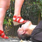 床から顔だけ出したドレイがミズホ様の生スト&ナマ足で踏みにじられる! 制服少女に踏まれたい! SS-68 ミズホ エリカ