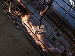 強制シャワー 恥辱の洗体プレイに泣き叫ぶ女囚