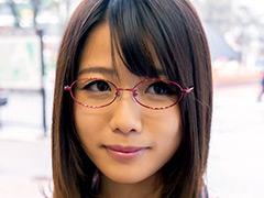 さやかさん 28歳 眼鏡が素敵なIカップ奥さま